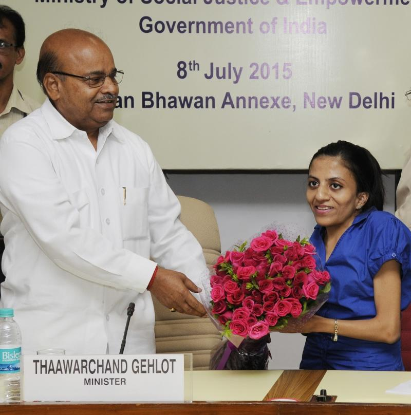 Ira Singhal being felicitated by Thawar Chand Gehlot, Minister of Social Justice and Empowerment, at Vigyan Bhavan Annexe on July 8, 2015 in New Delhi. (Photo by Mohd Zakir/Hindustan Times via Getty Images)