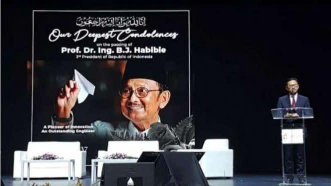 Insinyur se-ASEAN Beri Penghargaan Tertinggi kepada BJ Habibie.