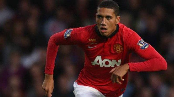 Bek Manchester United, Chris Smalling.