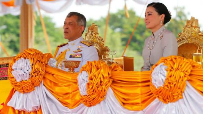 Raja Thailand Karantina Diri Boyong 20 Selir di Hotel Mewah Jerman