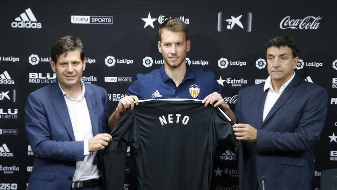 Neto resmi merapat ke Valencia dari Juventus (Valencia).