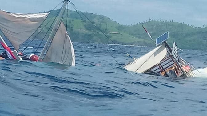 Kapal Pinisi Tenggelam di Labuan Bajo, Istana: Semua Wartawan Selamat