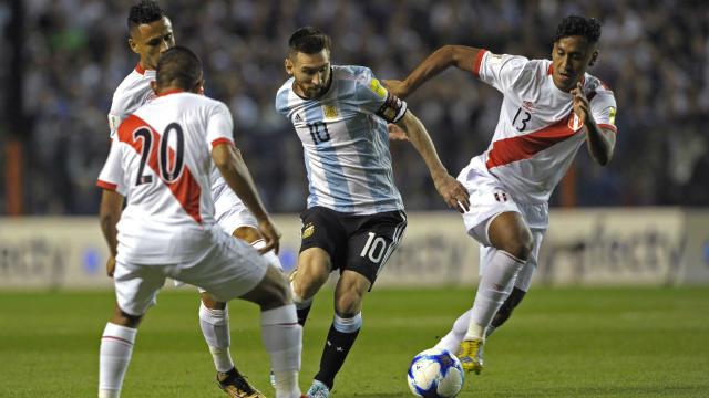 Fifa suspende Guerrero provisoriamente por trinta dias
