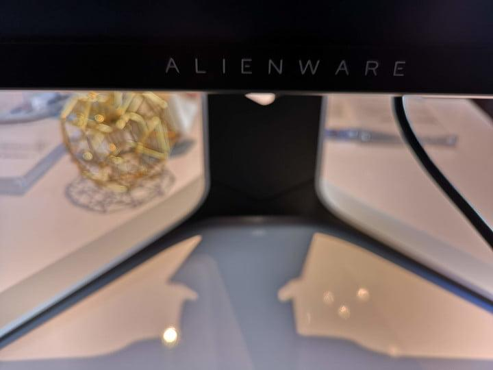 alienware gaming mouse keyboard monitor gamescom 2019 stand with legend design language