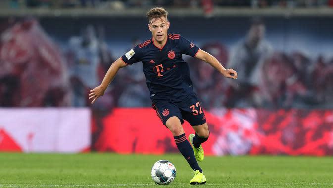 Joshua Kimmich (64 juta euro) - Gelandang bertahan milik Bayern Munchen ini memiliki harga pasar transfer senilai 64 juta euro. (AFP/ Ronny Hartmann )