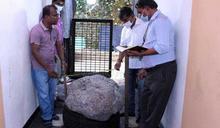 自家後院挖出250萬克拉「藍寶石奇緣」!號稱世界最大「估值28億」