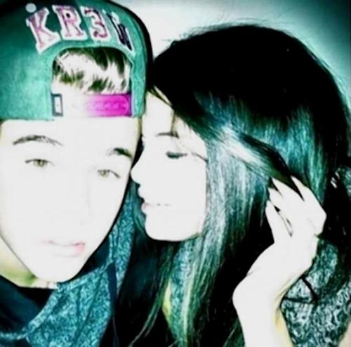 Justin Bieber and Selena Gomez get cuddly on Instagram on April 20, 2013 -- Instagram