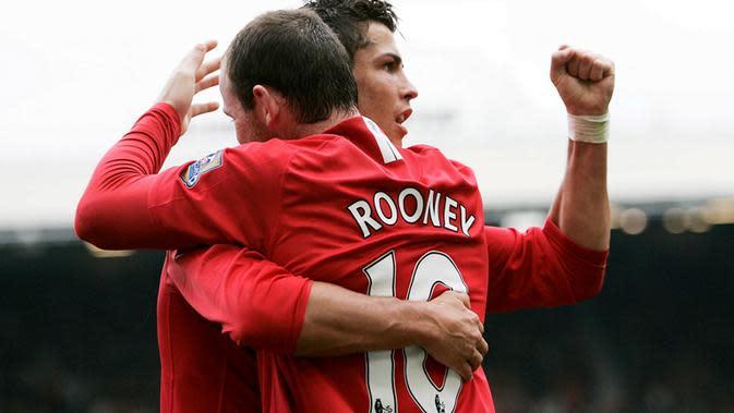 Cristiano Ronaldo dan Wayne Rooney saat masih bersama di Manchester United. (EPA/Magi Haroun)