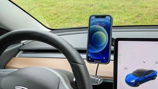 Moshi x Tesla Model 3/Y 優選配件:SnapTo 磁吸手機車架能充電,iVisor 系列螢幕超好貼