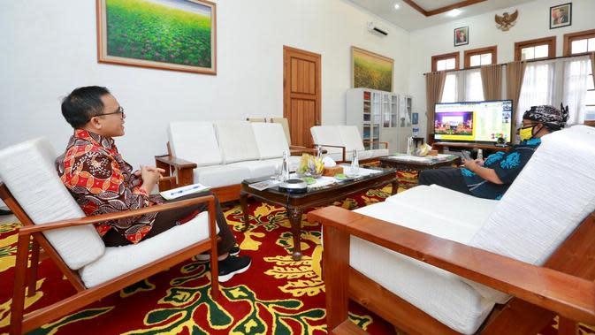 Bupati Anas Paparkan New Normal Pariwisata di Webinar yang Diikuti Pelaku Wisata Nasional