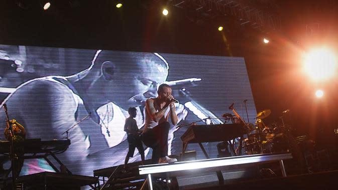 Lirik Lagu Heavy - Linkin Park Feat. Kiiara