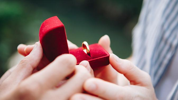 ilustrasi cincin/Photo by rawpixel.com from Pexels