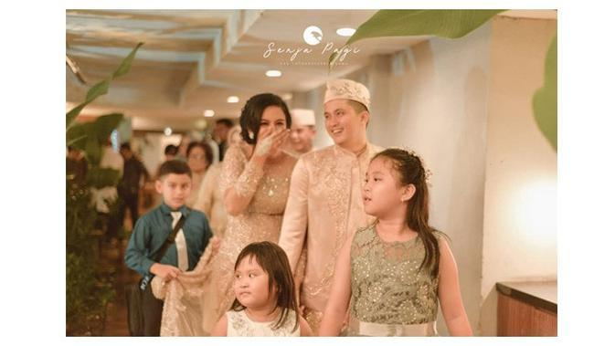 Momen Pernikahan 'Mak Lampir' Varissa Camelia yang Penuh Haru dan Bahagia (sumber:Instagram/@varissa_camelia)