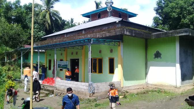 Berbagi Berkah untuk Nelayan dan Petani di Pinggiran Kota Manado