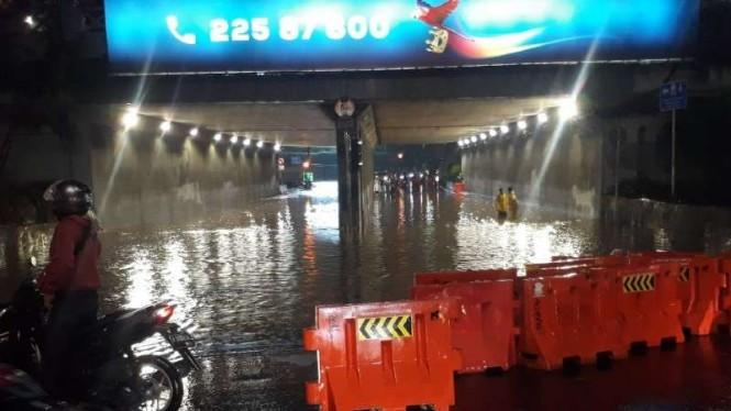 Daftar Titik Banjir di Jakarta Malam Ini