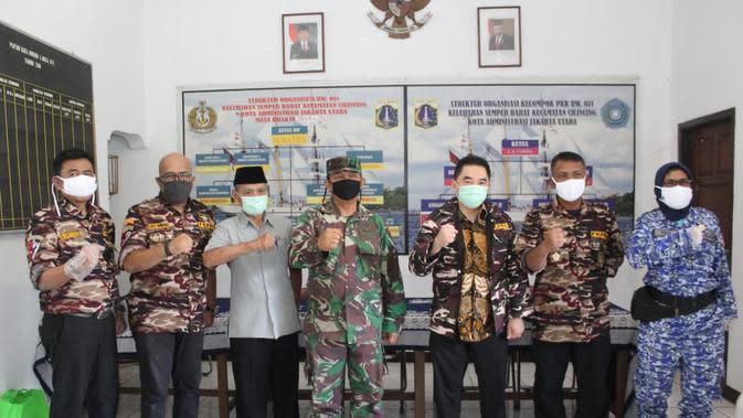 KCN bagi-bagi sembako, masker, dan hand sanitizier di 7 komplek TNI Polri di Jakarta Utara.