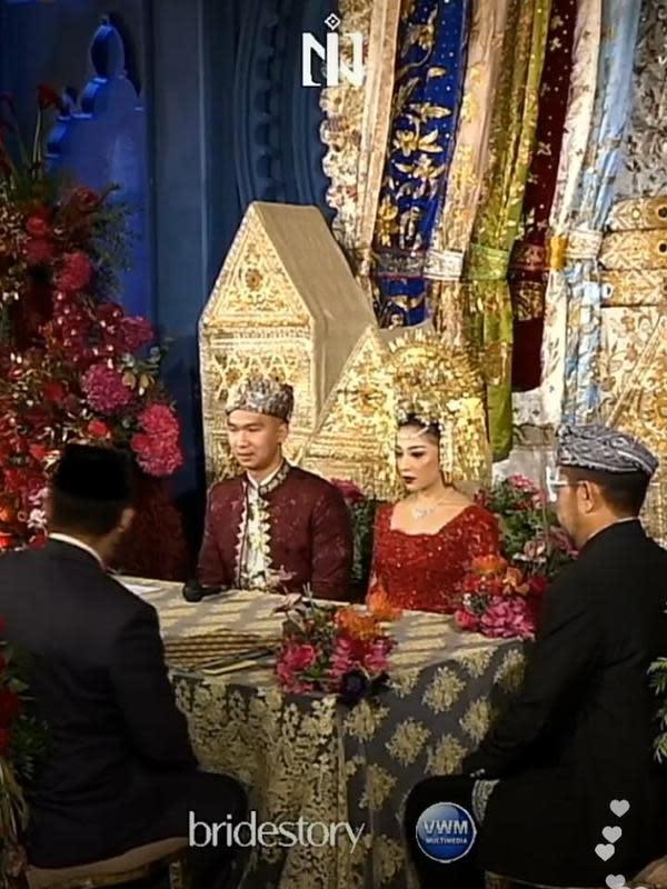 Akad nikah Nikita Willy dan Indra Priawan. (dok. tangakapan layar Instagram @thebridestory)