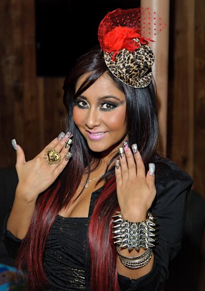 "Nicole ""Snooki"" Polizzi Signs Copies Of ""Confessions Of A Guidette"""