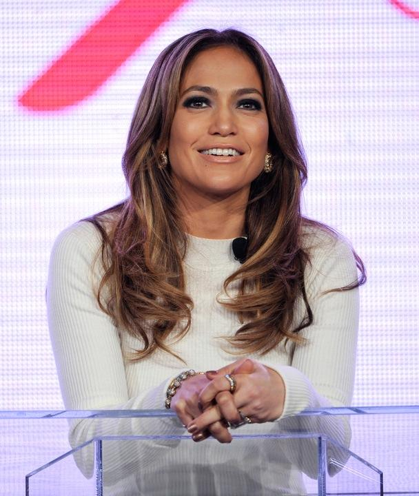 Jennifer Lopez Taps Into Latino Cell Phone Market