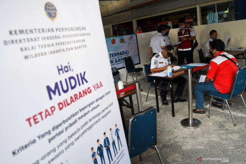 12 calon penumpang ditolak naik KA Luar Biasa di Semarang