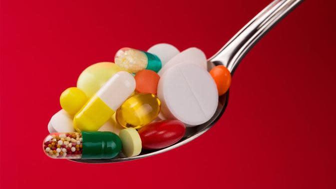 Beberapa makanan dapat mencegah kinerja obat pada tubuh bahkan ada yang sampai menimbulkan efek samping berbahaya.