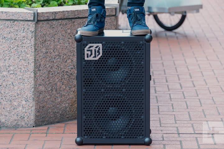 soundboks 2 speaker stand on