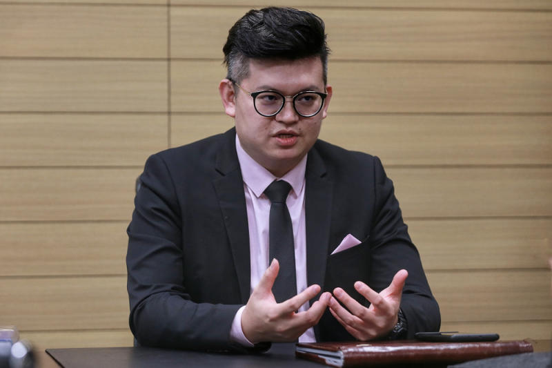 Bandar Kuching MP Kelvin Yii Lee Wuen during an interview with Malay Mail at Parliament August 25, 2020. — Picture by Ahmad Zamzahuri