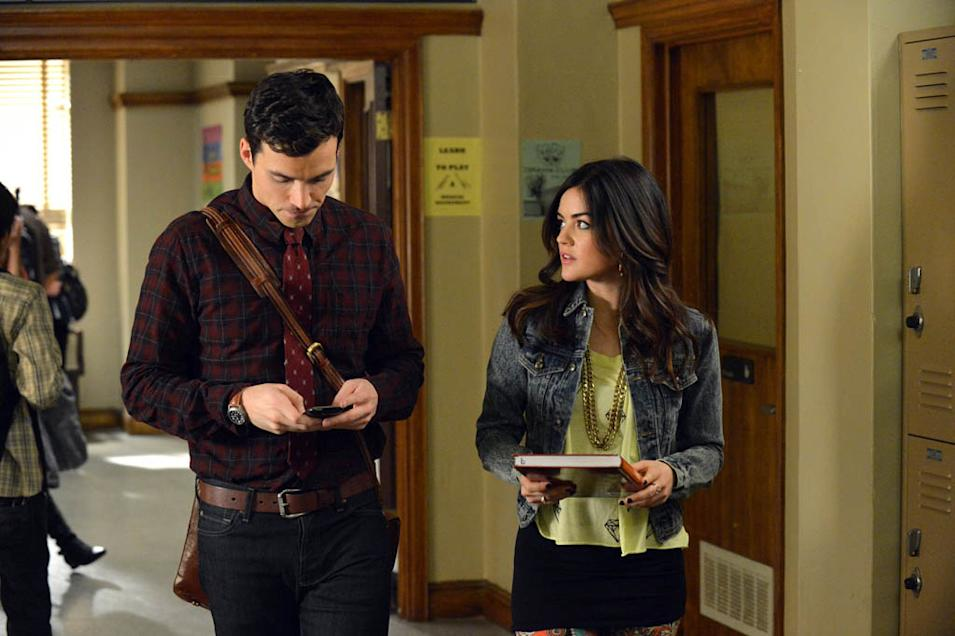 """Pretty Little Liars"" -- ""A dAngerous gAme"" IAN HARDING, LUCY HALE"