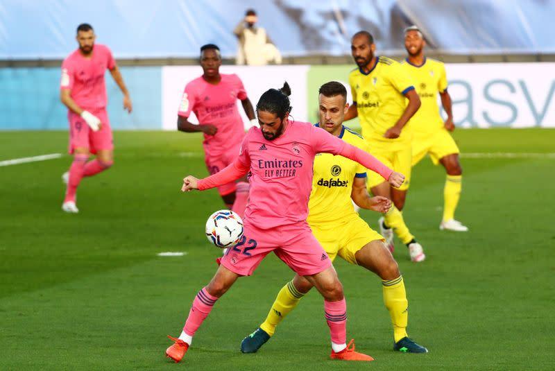 Real Madrid slump to defeat by minnows Cadiz
