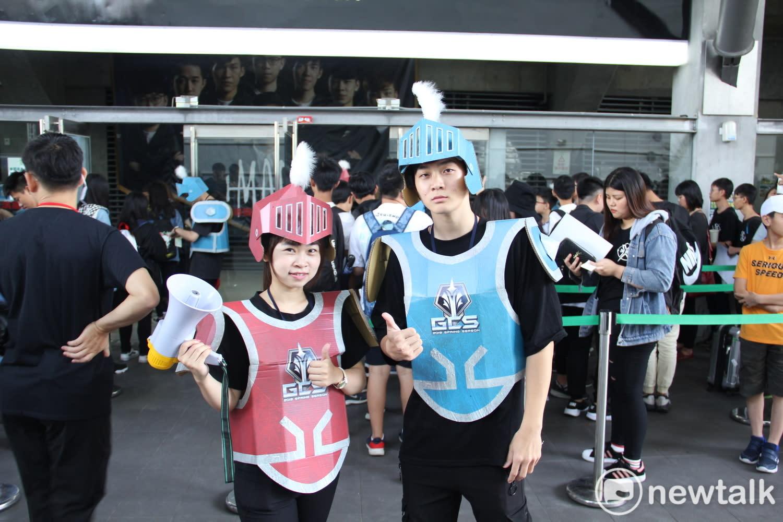工作人員也特別裝扮成《傳說對決》的小兵。