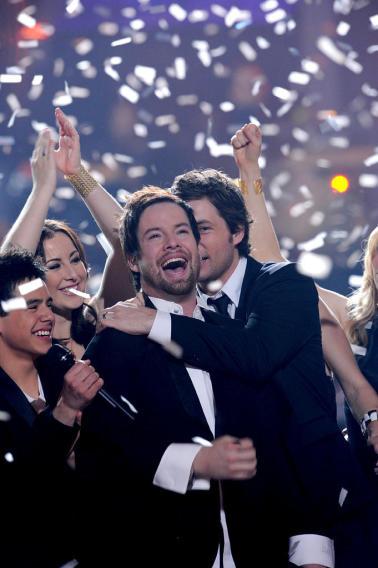 """David Cook is crowned the Season 7 """"American Idol"""" winner."""