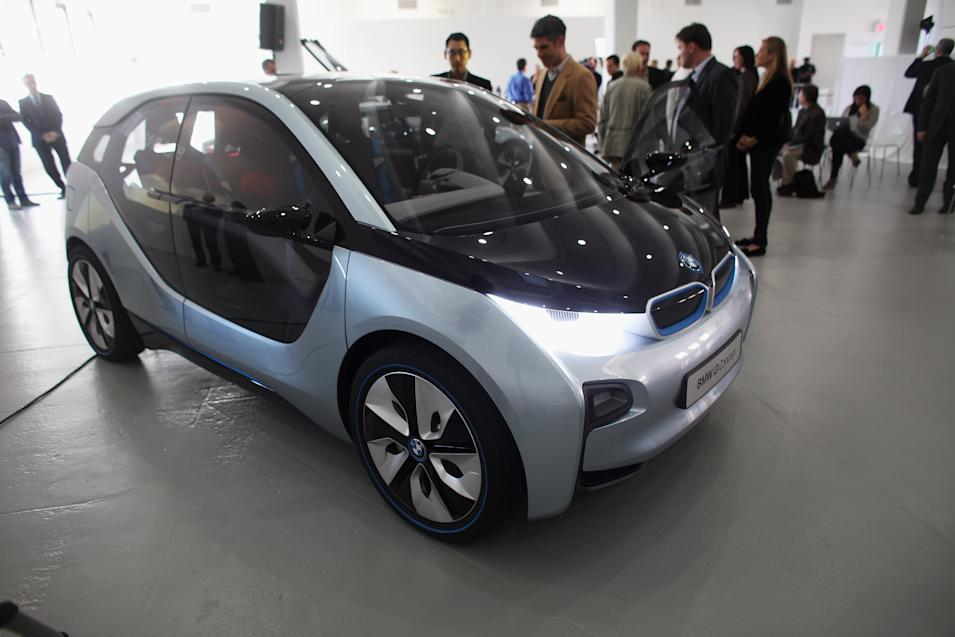 BMW Offers Previews Two New Electric Concept Vehicles