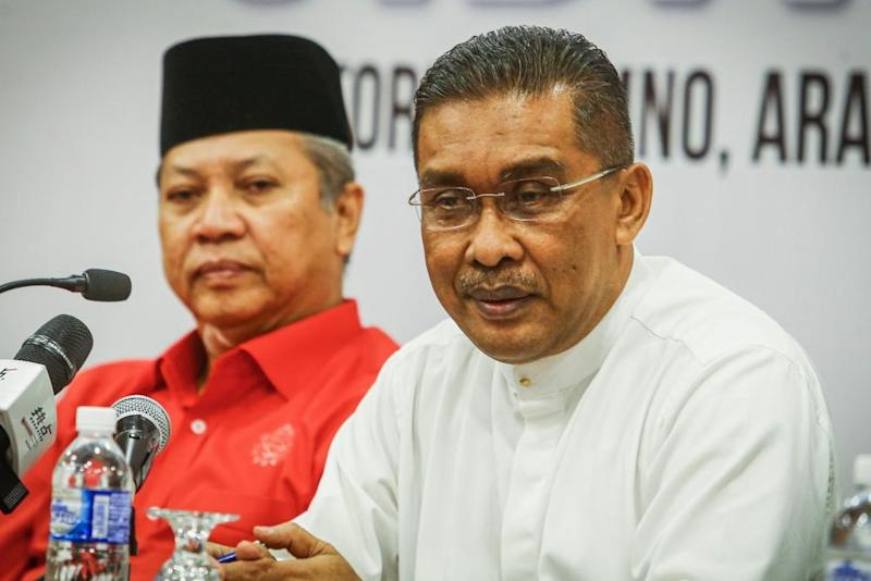 PAS secretary-general Datuk Takiyuddin Hassan speaks during a press conference in Kuala Lumpur September 12, 2019. ― Picture by Hari Anggara
