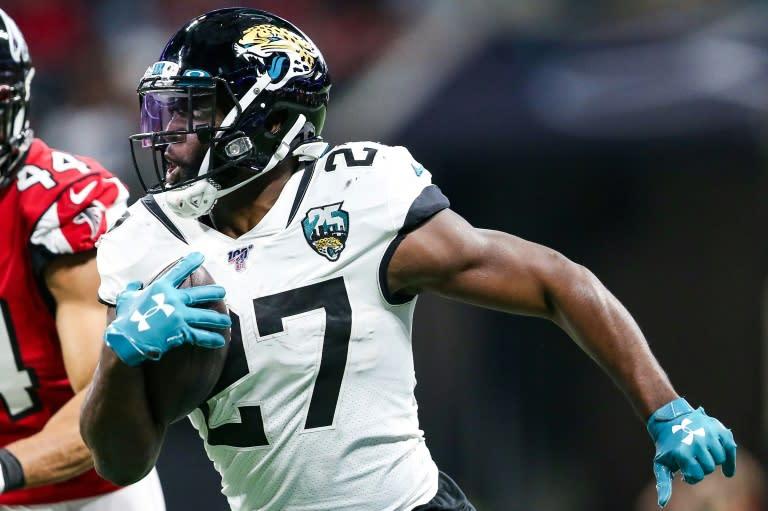 Brady's NFL Buccaneers add rushing power in Fournette
