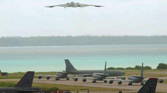 VIVA Militer: Pesawat pembom B-2 Spirit lepas landas dari pangkalan Diego Garcia