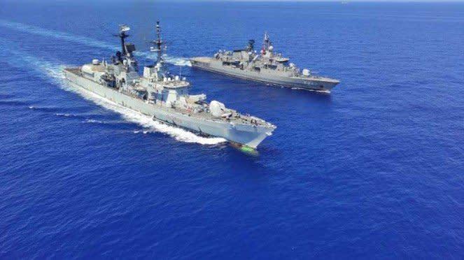 VIVA Militer: Kapal rudal Italia bareng kapal fregat Turki di Mediterania.