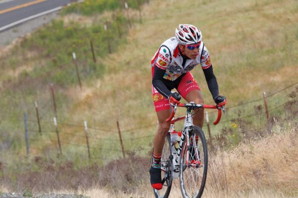 Sergio Hernandez (Jelly Belly) on the attack as the race descends into California's Central Valley.
