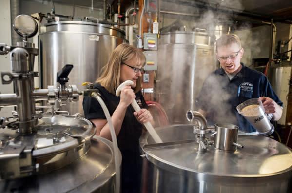 Alaskan Brewing Co.選用當地原料,減少運輸成本。(圖片來源:Alaskan Brewing Co.官方粉絲團)