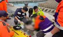 快新聞/金色休旅車衝入嘉義布袋漁港 車內一6旬翁被救起無呼吸心跳