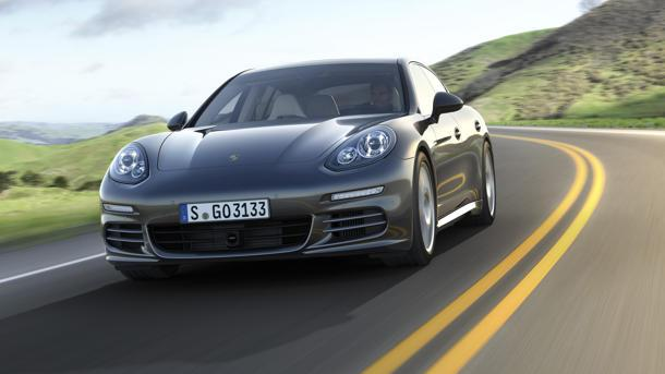2014 Porsche Panamera swaps V-8s for a twin turbo V-6, plug-in hybrid