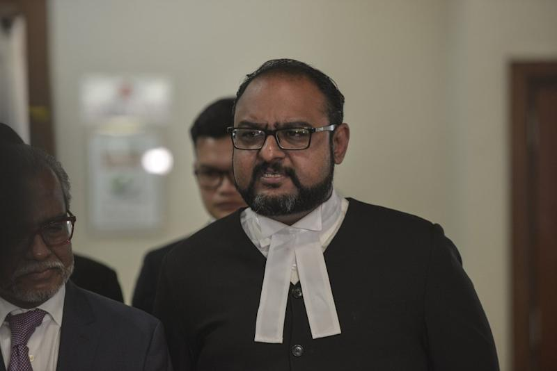 Defence lawyer Harvinderjit Singh pointed out how funds that ended up within the bank accounts of Datuk Seri Najib were transacted without his knowledge, arguing the absence of mens rea, or the intention or knowledge of an offence being committed by the former prime minister. ― Picture by Shafwan Zaidon
