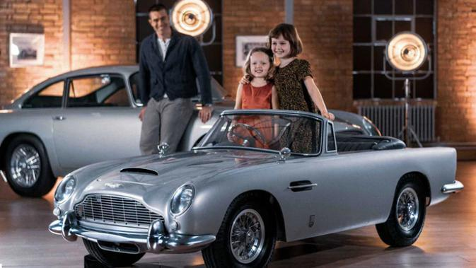 Aston Martin DB5 Junior (Car and Bike)