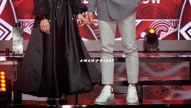 Potret Manis Lesty Kejora dan Rizky Billar di Panggung LIDA 2020. (Sumber: Instagram.com/rizkybillar)