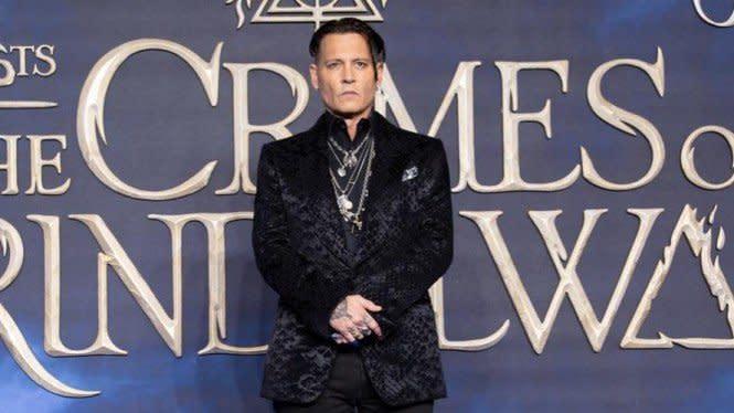 Johnny Depp Ceraikan Amber Heard karena Kotoran Manusia di Kasur
