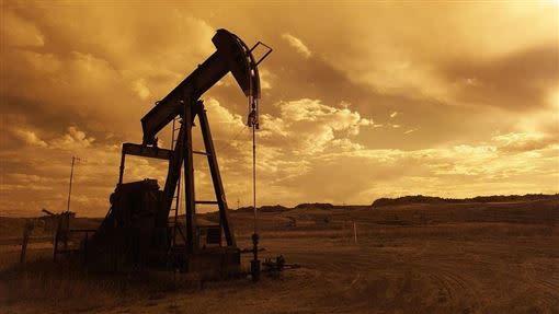 西德州原油期貨出現史無前例的負值交易。(示意圖/取自pixabay)