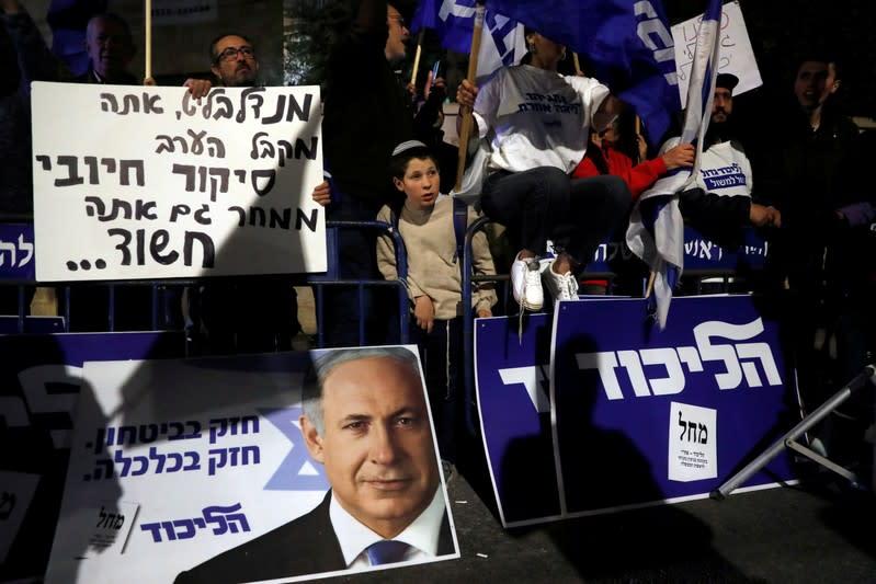 All King Bibi's men: Netanyahu's inner circle key to criminal cases