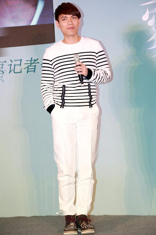 "In this undated photo released by Universal Music Group, Taiwanese singer Aska Yang is shown. Talent show ""I Am A Singer"" by China's Hunan Satellite TV station has captivated Taiwanese viewers but raised concerns about China's growing cultural influence on Taiwan. The show featured tense competition among professional singers from China, Taiwan and Hong Kong. The final episode of the TV station show Friday night, April 12, 2013, featured four Taiwanese and three mainland Chinese competitors, and many Taiwanese TV stations aired part or all of the finale, won by Chinese duo Yu Quan. Taiwan's Terry Lin and Yang were runners-up. (AP Photo/Universal Music Group)"