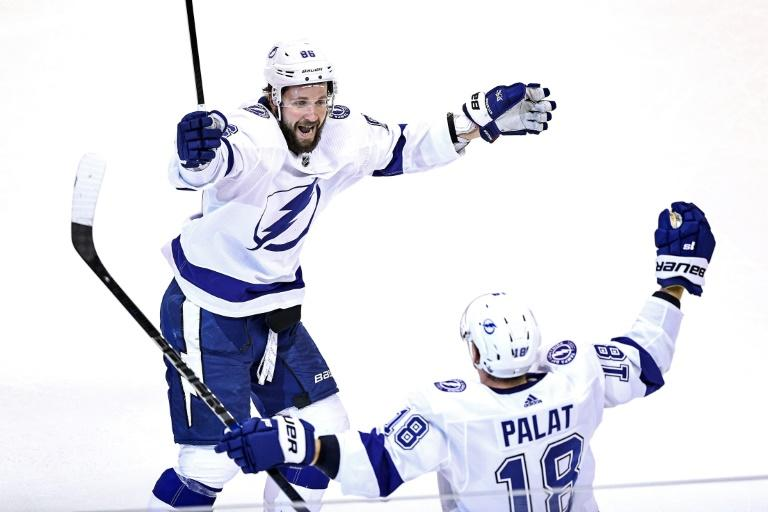 Palat powers Lightning past Bruins after two-day NHL hiatus