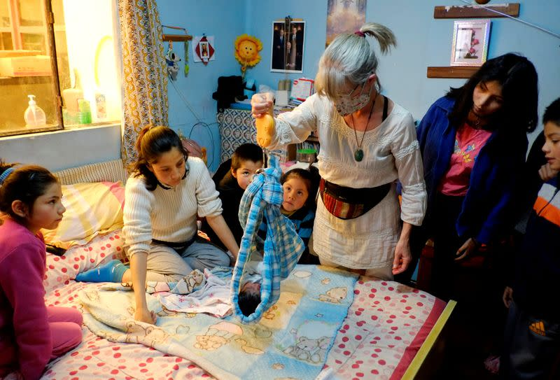 With Bolivian hospitals filled with COVID-19, moms choose home birthing