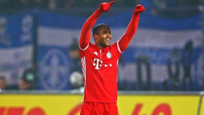 Bayern Munich Resmi Bawa Pulang Douglas Costa